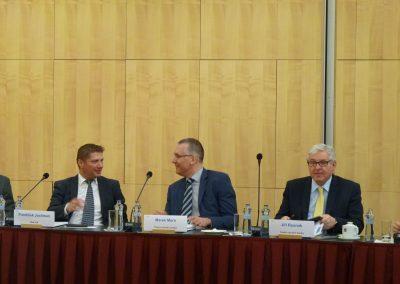 Setkání s guvernérem České národní banky 2-SQ